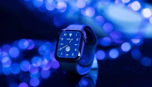 Apple вече продава повече часовници от целия швейцарски бизнес