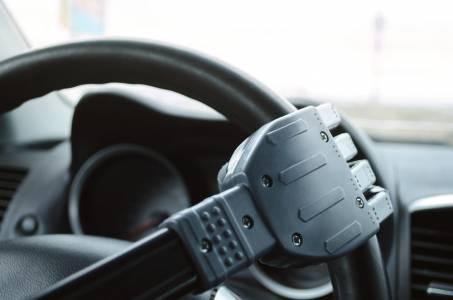 Fiat Chrysler пуска робо-такси в Китай