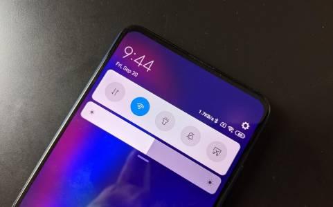 AMOLED дисплеят на Xiaomi Mi 10 ще се опреснява с 90 Hz