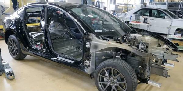 Кога ще стигнат автопилота на Tesla?