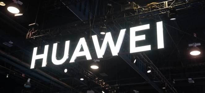 Google съветва да не зареждате неофициално техните приложения на нови Huawei телефони