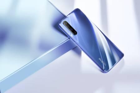"""Redmi и Realme се сбориха за поредния """"първи в света смартфон с..."""""""