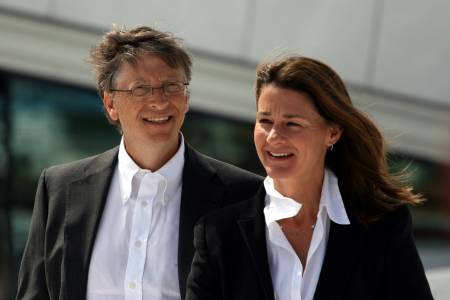 Големият Бил Гейтс на бой с коронавируса с дълбок джоб