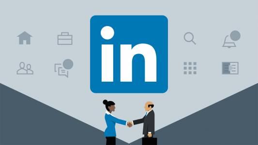 LinkedIn прави интервютата за работа изцяло виртуални