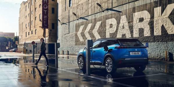 """Шефът на Peugeot: Само хардкор """"зелени"""" купуват е-коли"""