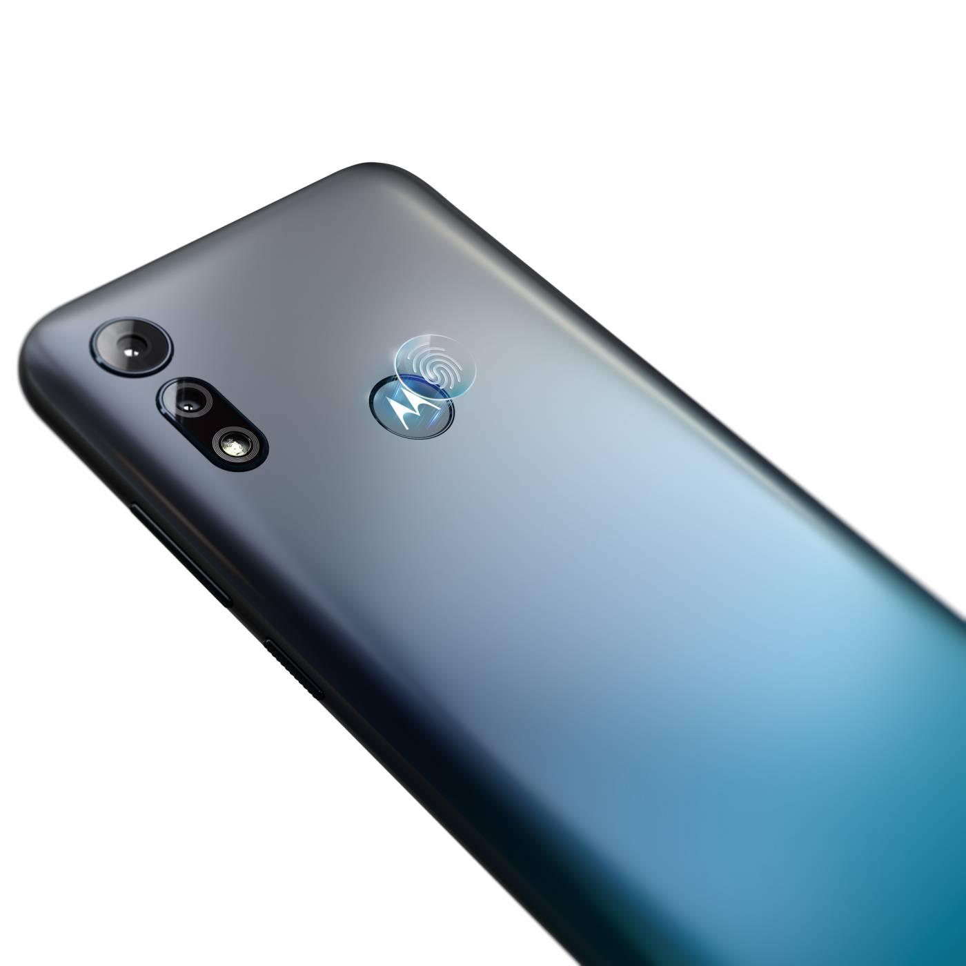 Motorola с нов качествен смартфон на достъпна цена