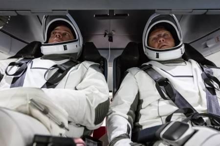 Напук на вируса NASA и SpaceX ще пратят хора в Космоса през май