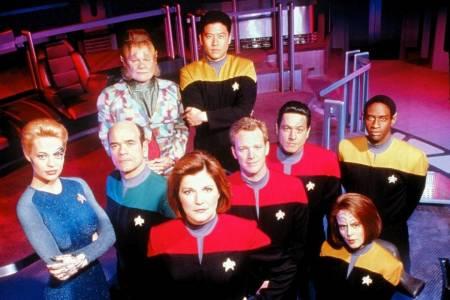 AI преработва sci-fi класиката Star Trek: Voyager в 4К (ВИДЕО)