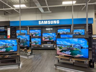 Samsung приключва с LCD панелите