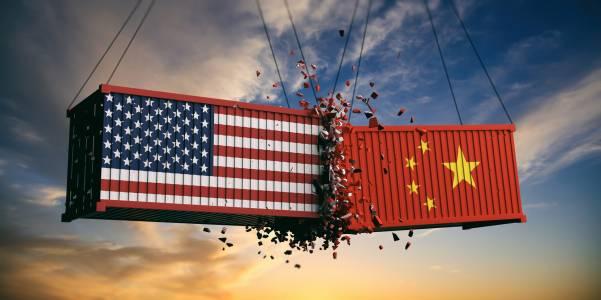 САЩ със сериозни обвинения към Китай относно истинността на вирусната епидемия