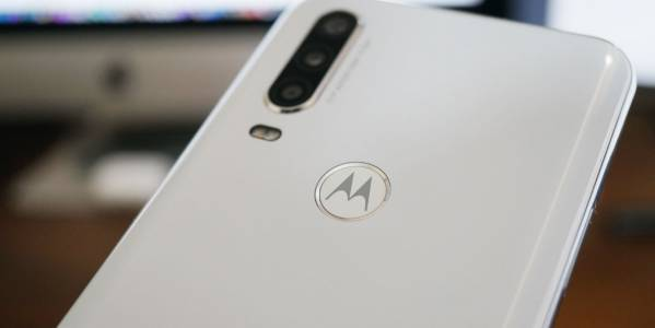Lenovo и Motorola увеличават своите гаранции заради епидемията