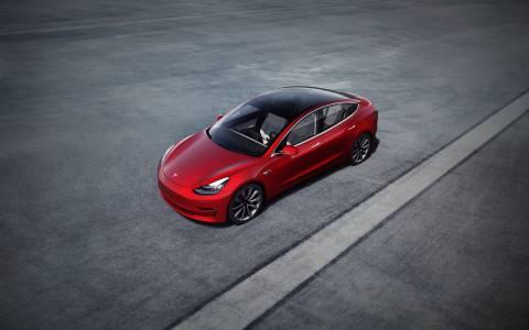 Ето кого ще наблюдава скритата камера в Tesla Model 3
