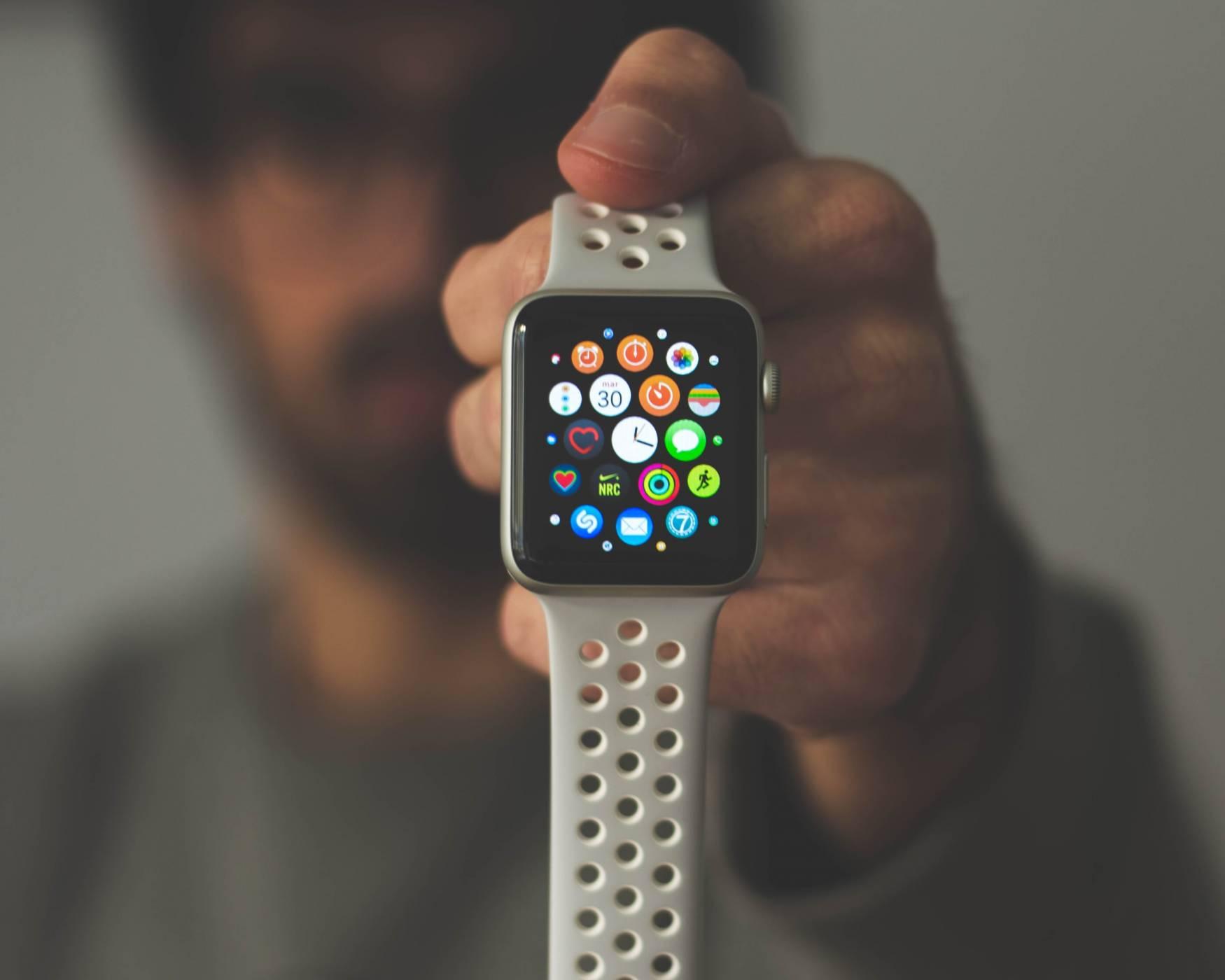 Apple Watch 6 идва с функция срещу коронавируса