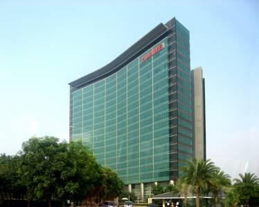 САЩ са близо до съвместна работа с Huawei