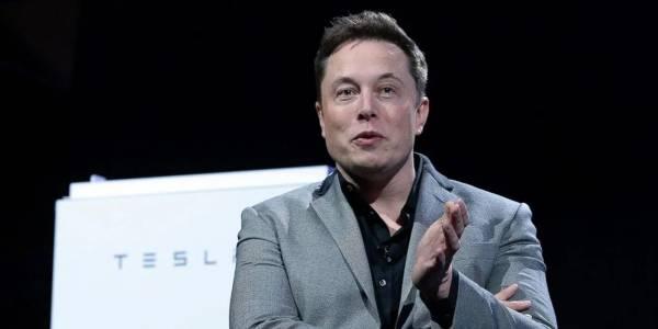 Повечето служители на Tesla смятат, че Мъск вреди на компанията с изцепките си