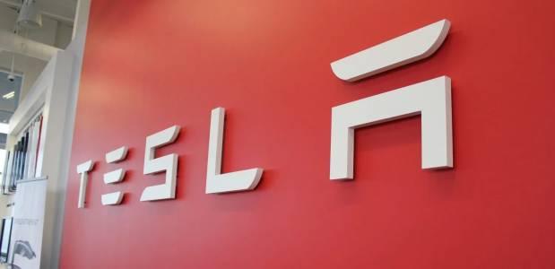 Трудният характер на Мъск прогони и шефа на Tesla за Европа