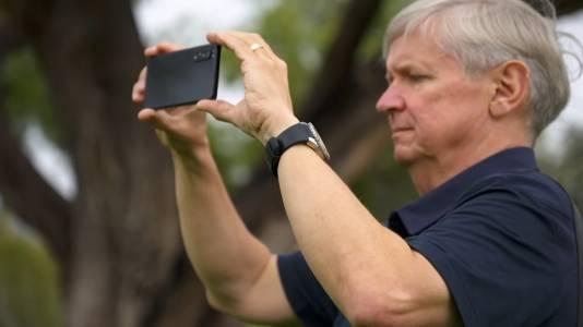 Опитен фотограф не пести похвалите за новия Xperia 1 II (ВИДЕО)