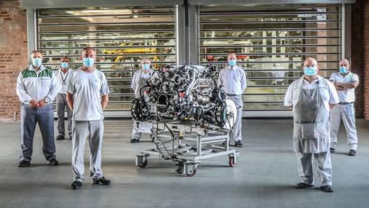 Bentley прати в заслужена пенсия най-стария V8 двигател в света
