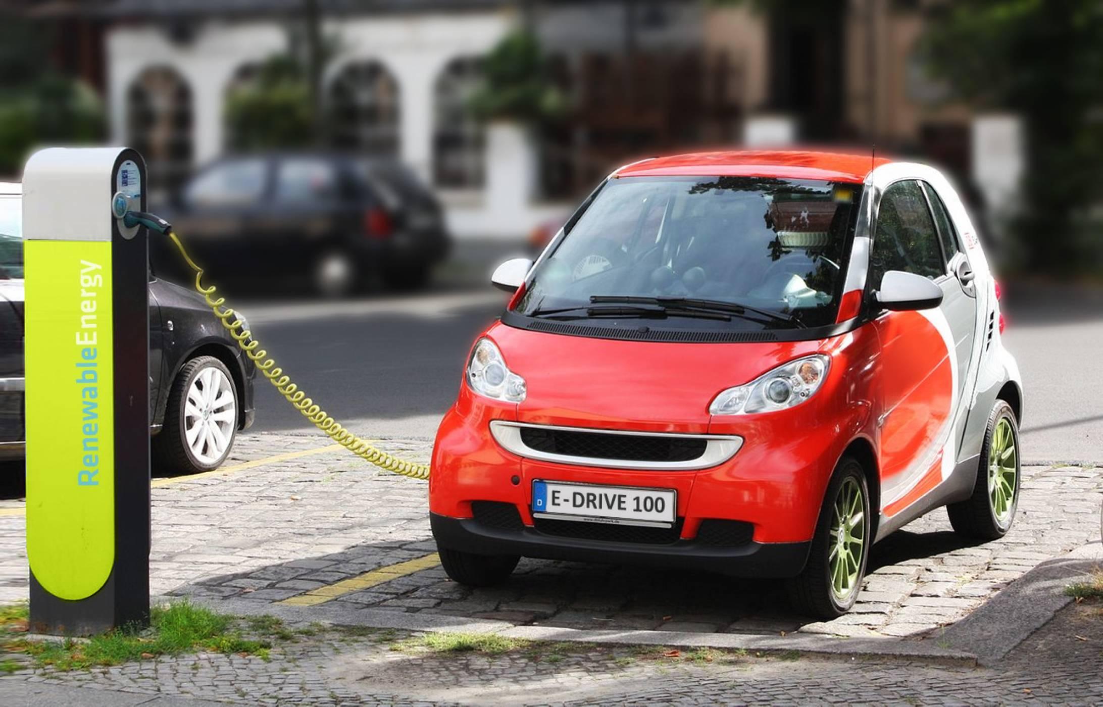 Задължително зарядно за е-коли във всяка бензиностанция в Германия