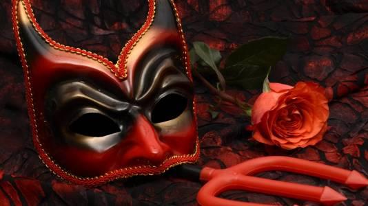 Секс с маски и други интимни съвети по време на пандемия от Харвард
