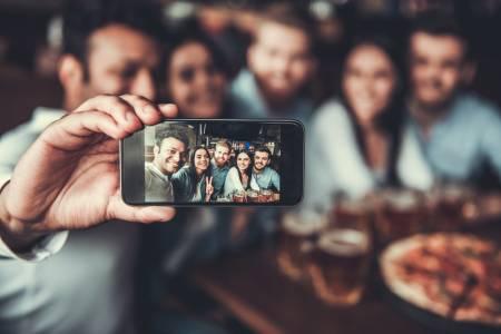 Apple измисли начин да си правим селфи с приятели от разстояние