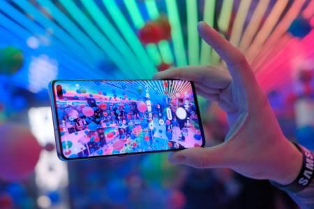 Samsung избра свои OLED панели за бъдещите Galaxy