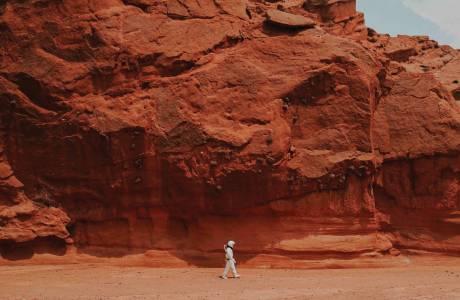 Всички погледи се насочват към Марс