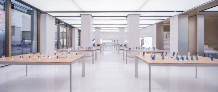 Huawei откри най-големия си смарт магазин в Шанхай