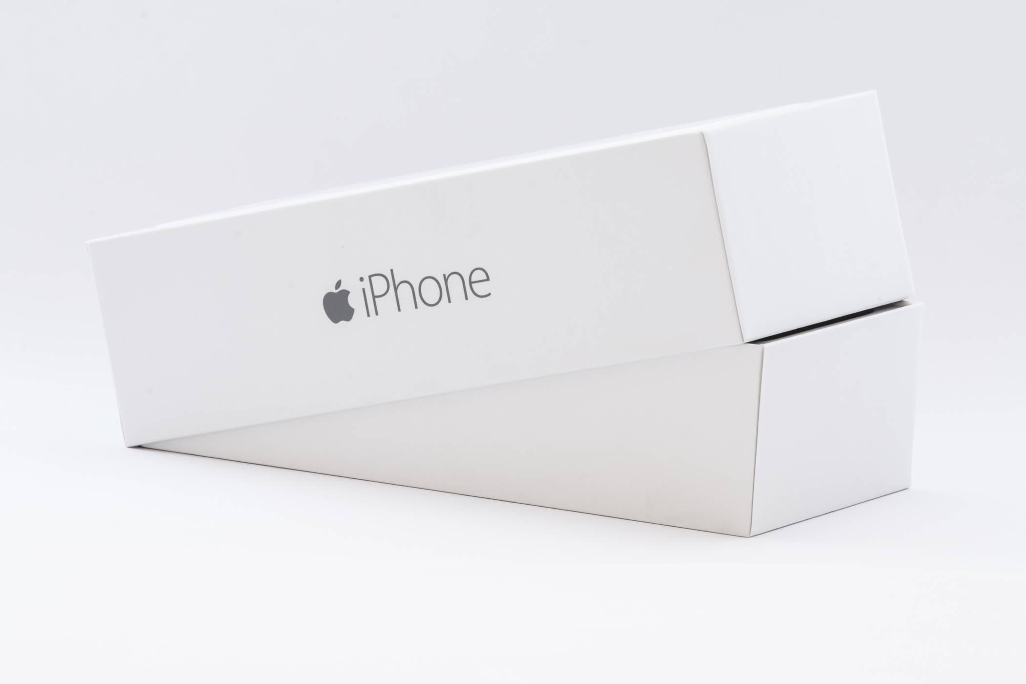 Без зарядно в кутиите на новите модели iPhone?