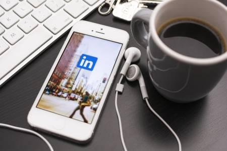 LinkedIN и Reddit се присъединиха към TikTok в неприятен шпионски списък (ВИДЕО)