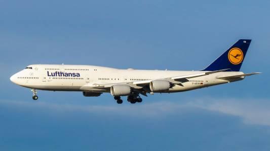 След половин век легендата Джъмбо Джет 747 отлита към залеза (ВИДЕО)