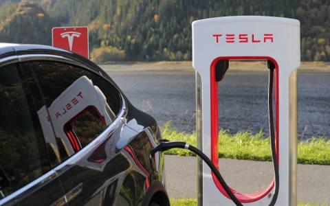 Tesla току-що влезе в американския топ 10, но все още не е в S&P 500