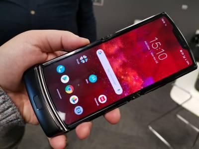 Гъвкавият Motorola Razr 2 5G залага на по-голям дисплей за призово място в тази пазарна ниша