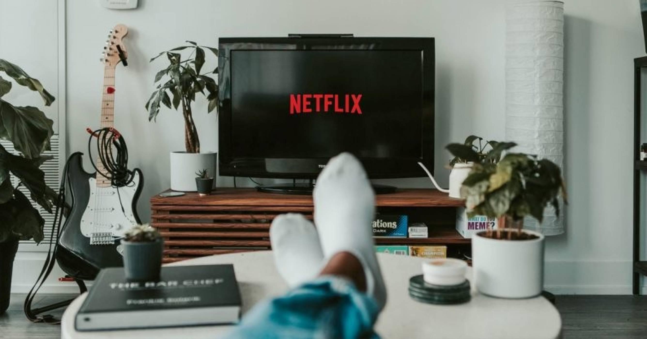 6 часа Netflix стрийминг се равняват на изгарянето на литър бензин