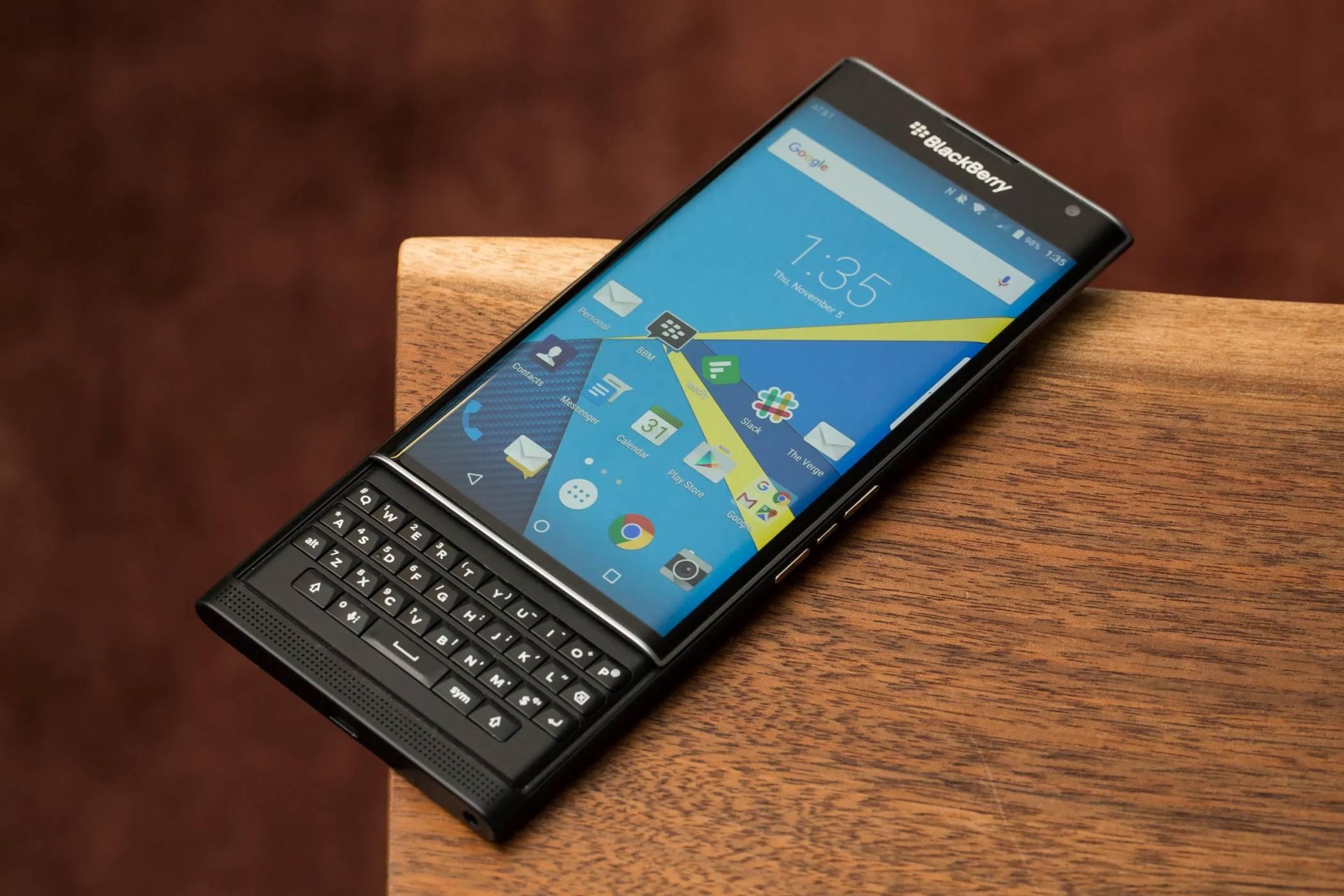 5G BlackBerry с физическа клавиатура ще се опита да пробие на Android пазара през 2021 г.