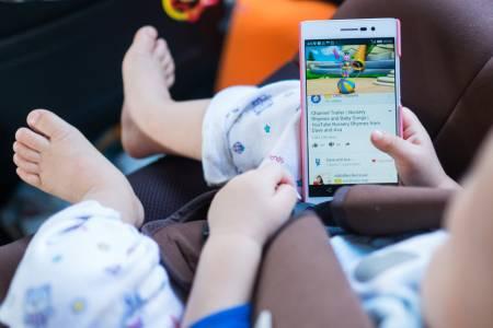 Съдят Google за 3 милиарда долара, защото следи децата онлайн в YouTube