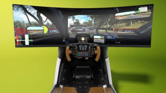 Aston Martin показа уникален състезателен симулатор за $74 000 (СНИМКИ)