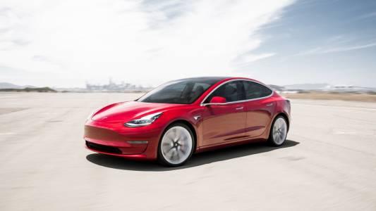 Готов за предварителна поръчка: новият супермощен модел на Tesla - Model S Plaid (ВИДЕО)