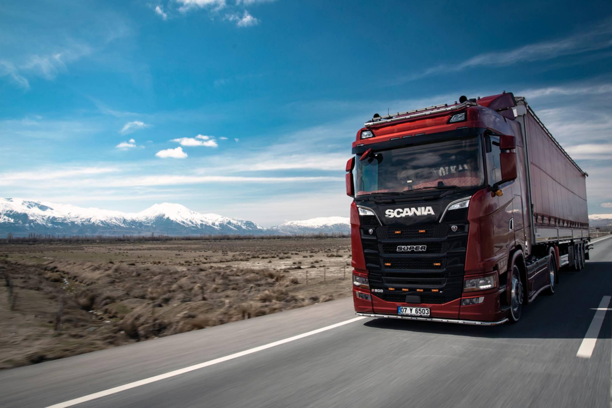 Scania експериментират със соларни панели за камионите си