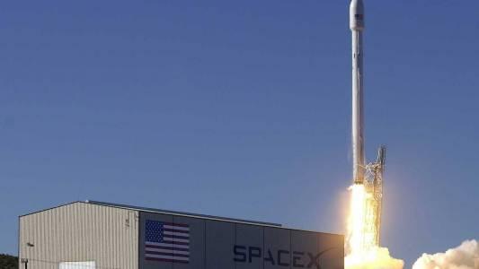 Защо падат сателитите на SpaceX?