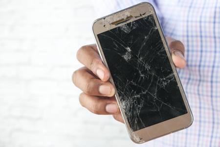 Какво да направите, ако екранът на телефона ви се счупи?