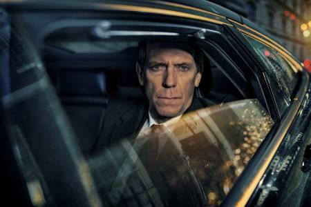 """Политическият трилър """"Убийство на пътя"""" с Хю Лори вече е в HBO GO (ВИДЕО)"""