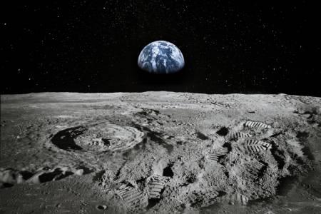NASA потвърди: Вода на Луната има