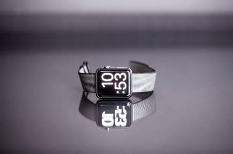 Защо Apple Watch е единственият продукт на компанията, чийто дизайн не се променя? (ВИДЕО)