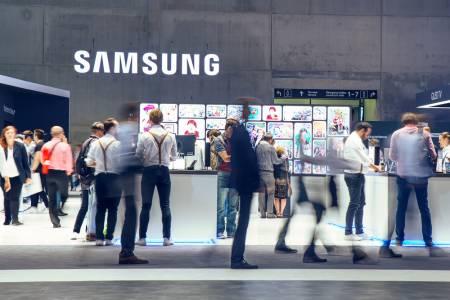 За пръв път от три години Samsung изпревари Apple на техен терен