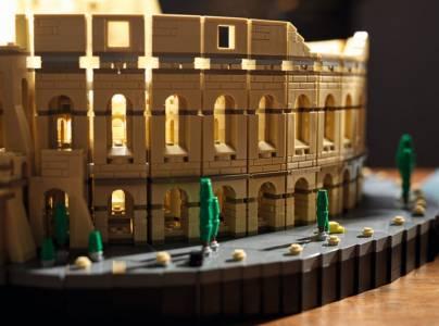 Постройте си собствен Колизеум, съставен от над 9000... LEGO части