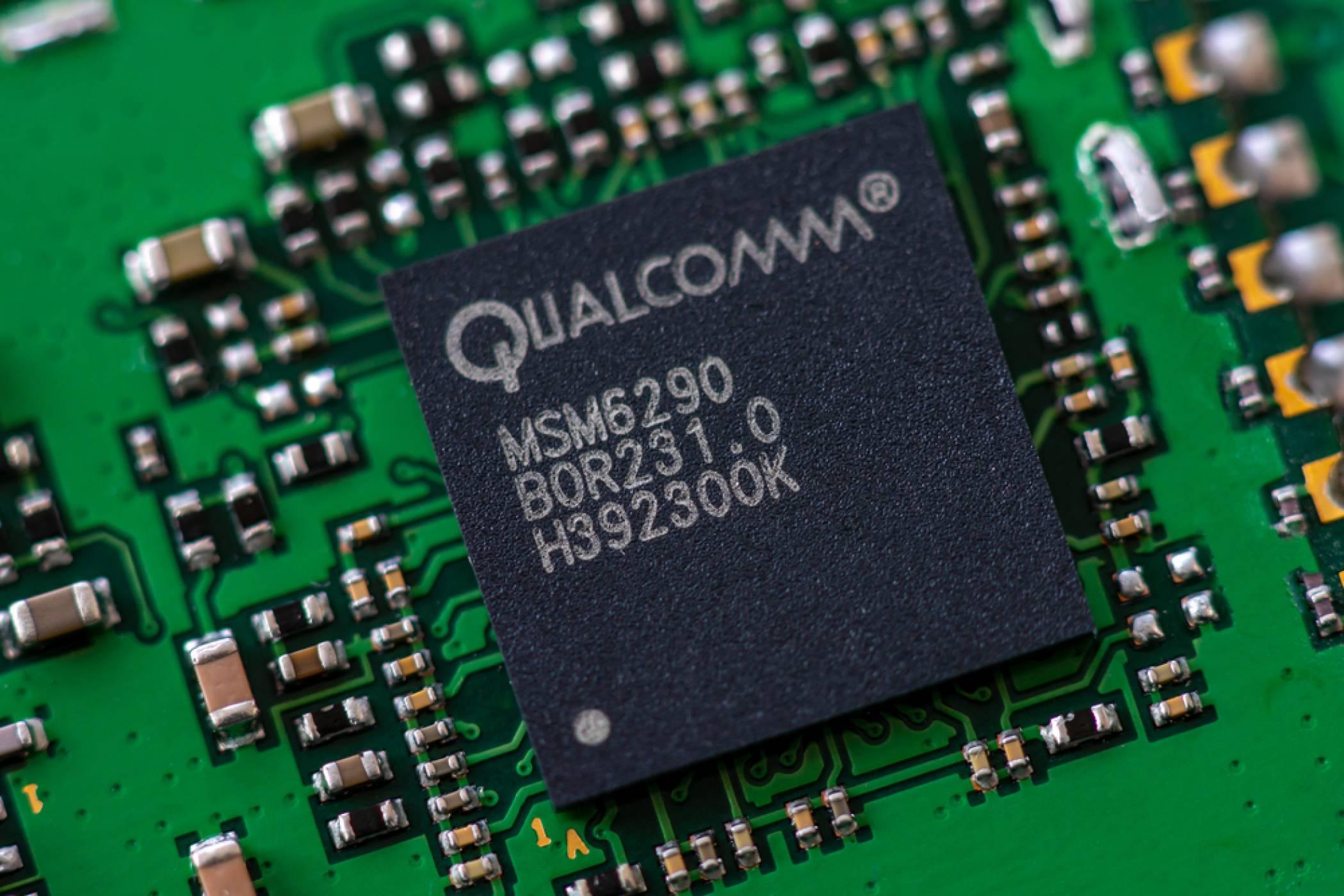 Цели пет Snapdragon 875 флагмана с новото 100 W бързо зареждане ни чакат в началото на 2021 г.