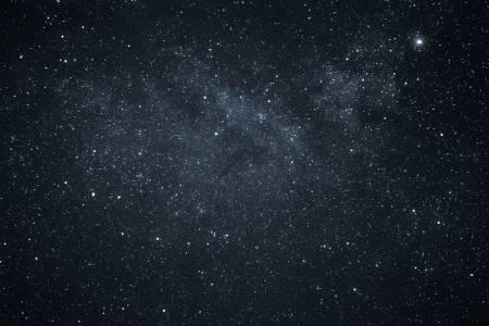 Черен ли е Космосът?