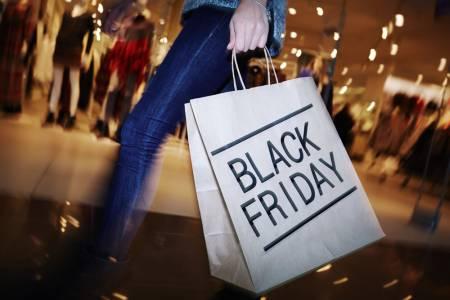 Пандемията доведе до рекордни онлайн продажби на Черния петък в САЩ