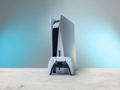 Бот в Twitch следи наличността на PS5 и Xbox Series X, за да помогне на търсещите ги геймъри